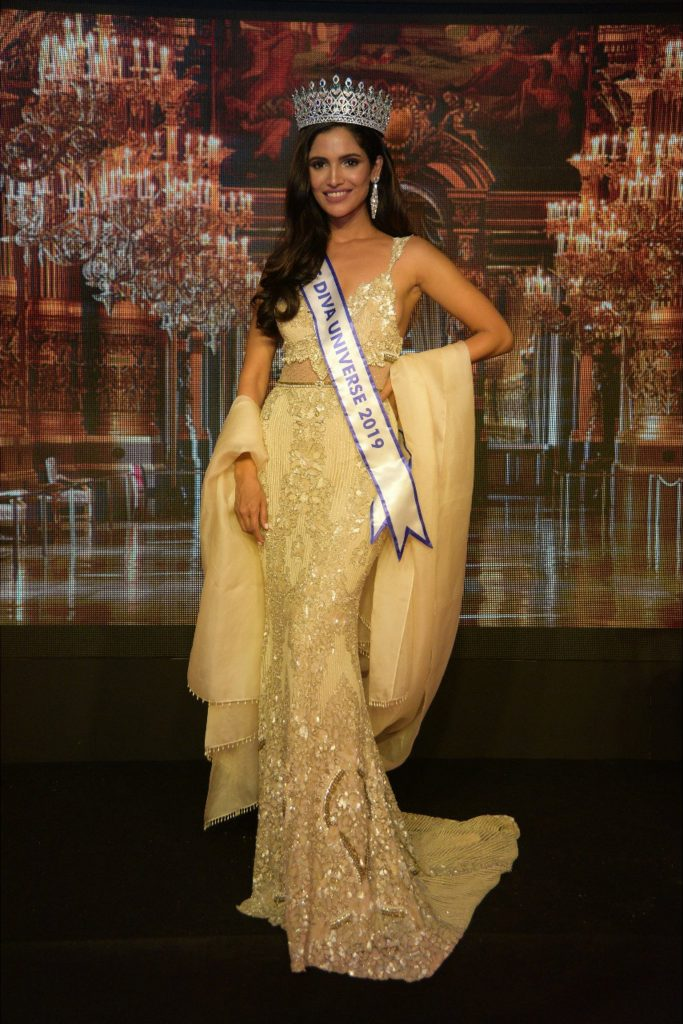 EFaod1SUcAAek1n 683x1024 - India's bets to 2019 Miss Universe, Miss Supranational named